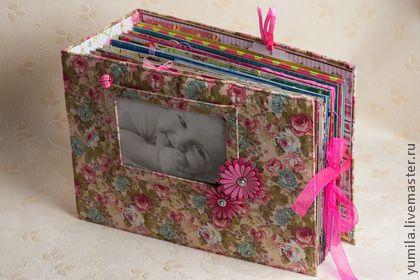 Фотоальбомы ручной работы. Ярмарка Мастеров - ручная работа Альбом для фотографий малыша первого года жизни. Handmade.