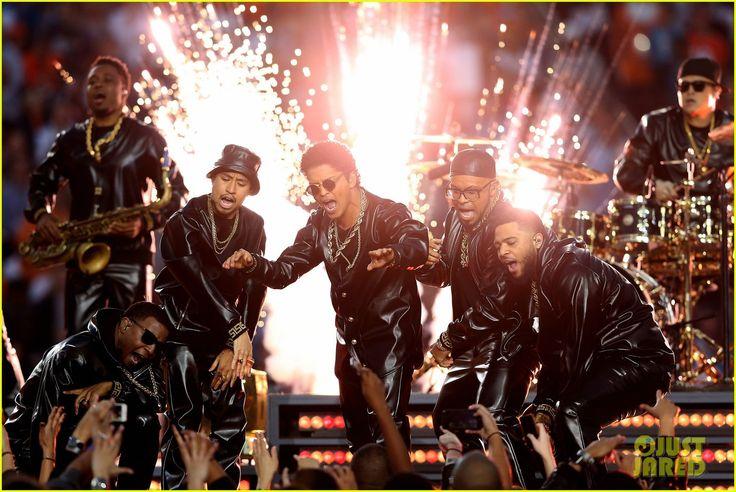 Bruno Mars: Super Bowl Halftime Show 2016 Video - WATCH NOW!   bruno mars uptown funk super bowl halftime show 2016 23 - Photo