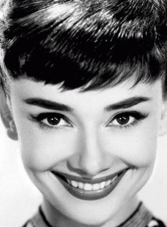 好莱坞女星猫眼妆的代表之作