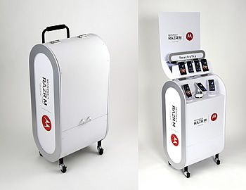POPAI Awards Paris 2013 winner: aslında bunun sadece dış tasarımı örnek alınabilir. otel içerisinde mobilitesi yüksek bir kiosk olarak