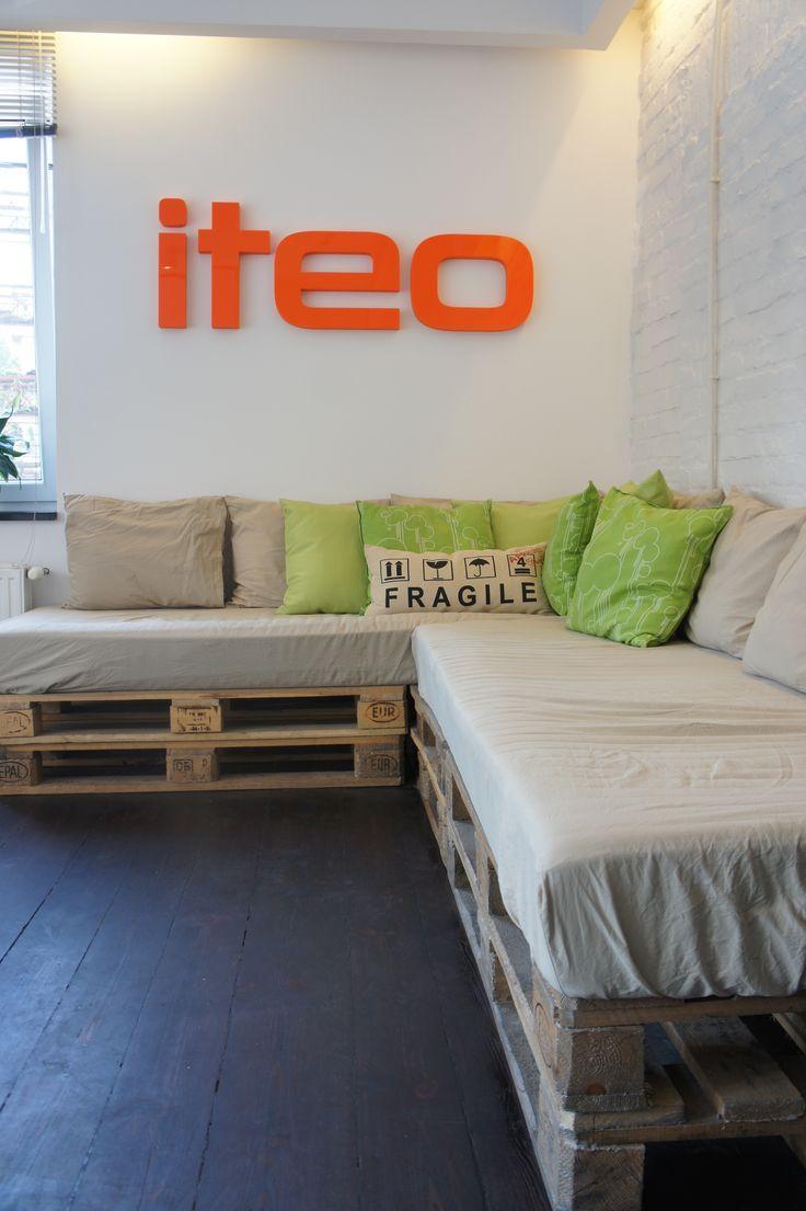 #ecru #pallet #sofa #couch #vintage #urban #bed #rest #pillows # iteo #office #modern #ecofriendly