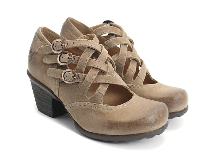 39 best shoes images on pinterest shoe heels and ankle for Wohnlandschaft sole 6688