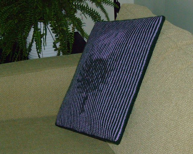 Thistle - Illusion knitting cushion cover or wall-hanging