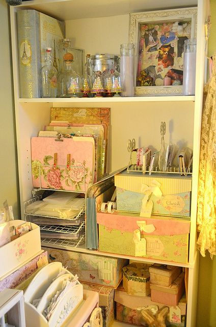 Cleaning Up The Clutter - storage ideas that look great.