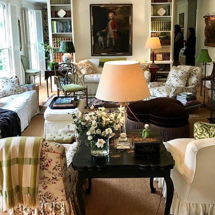 Cameron Kimber's house in Australia | Maximum Classic living room ~ anti minimalism!