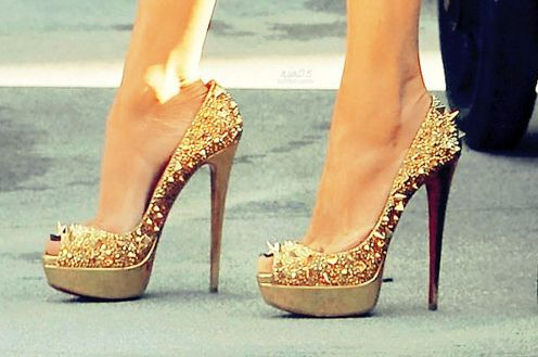 fierce: Killers Heels, Studs, Gold Spikes, Pumps, Gold Heels, High Heels, Christian Louboutin, Christianlouboutin, Gold Shoes