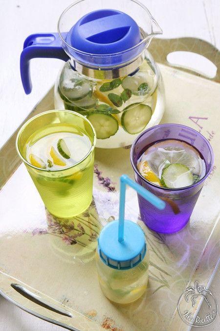 Acqua detox con limone cetriolo e menta