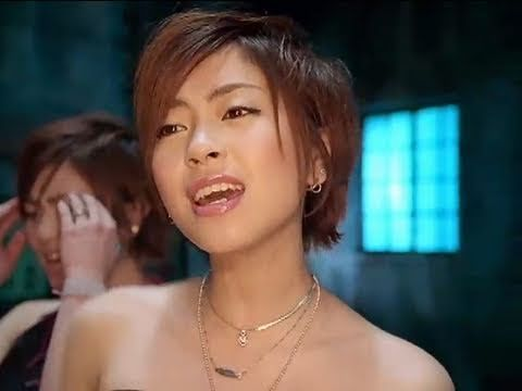 Hikaru Utada -- Wait & See [pop] 2000 Runs through Shibuya in tokyo by a flying vehicle!!