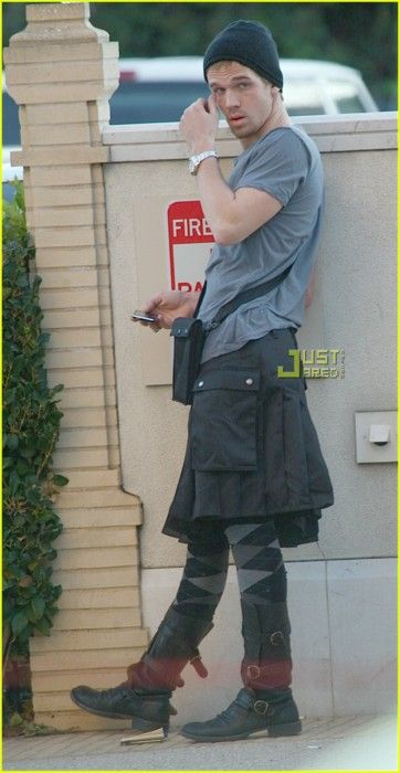 HES WEARING AN EFFING UTILIKILT I THINK I AM IN LOVE WITH THIS MAN.: Wear Kilts, Cam Gigandet, Kilts Men, Kilts Irish, Fashion Kilts, Kilts Fashion, Kilts Mansapparel, Hot Guys, Men Wear