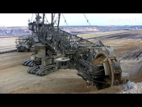 Schaufelradbagger 258, Tagebau Garzweiler! Bucket-wheel excavator close up ! Daylight - YouTube
