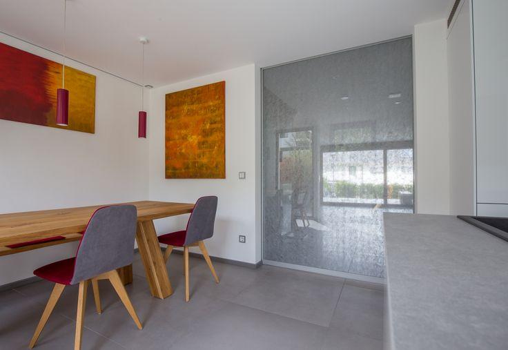 moderne Schiebetür in der Küche bzw. im Essbereich abgrenzend zum Wohnbereich!