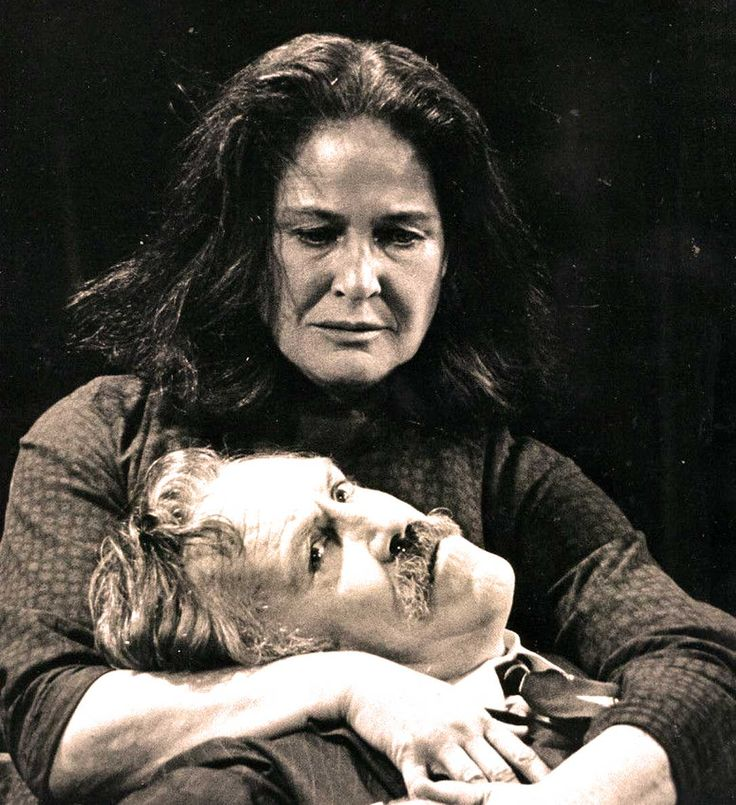 Colleen Dewhurst (with Jason Robards during A Moon For The Misbegotten) - giants of the Stage.