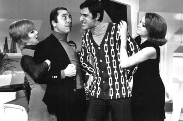 Signore e Signora (1970) - Delia Scala e Lando Buzzanca (con Aroldo Tieri e Giuliana Lojodice)