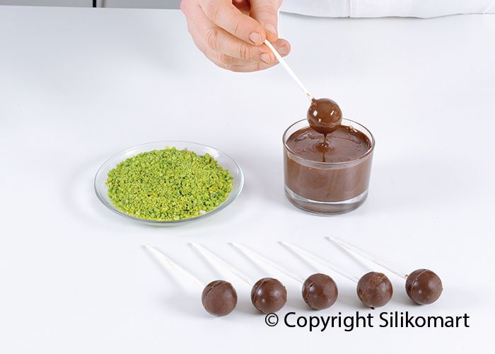 Mini Sphere Silikomart Set #baking #cakestagram #dessert #cake #howtocakeit #instacake #instasweet #teaser #repost #recipes #recipe #foodvideo #foodvideos #sweets #goodeats #homecooking #instayum #yum #yummy #sweettreats #pie #mini #desserts #cheff #chefflife #siliconemould #bakingdeco