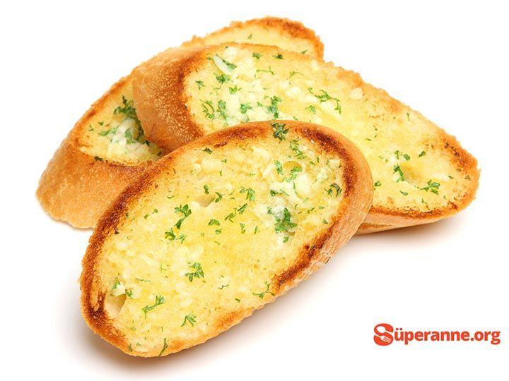 Sarımsaklı Çıtır Ekmekler Tarifi | Süper Anneden Kolay Yemek Tarifleri