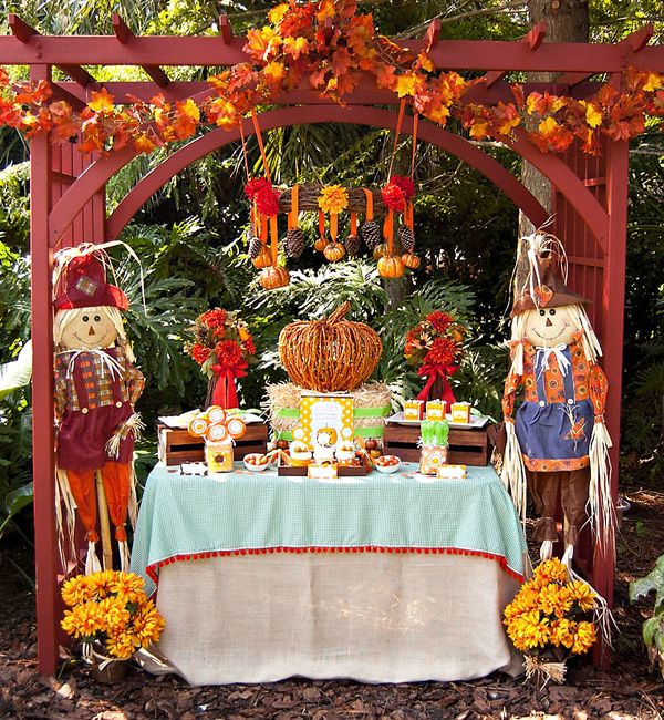 Cute setup for fall festival.Fall Parties, Birthday Parties, Harvest Parties, 1St Birthday, Fall Birthday, Parties Ideas, 25 Theme, Birthday Ideas, Pumpkin Parties