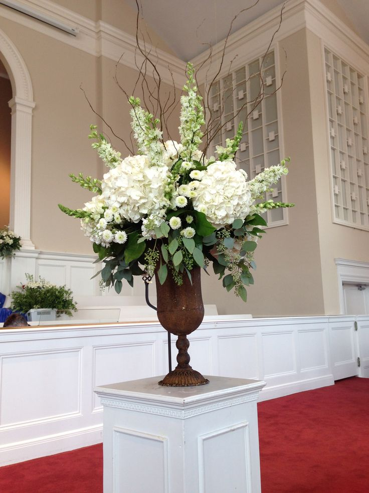 Church Arrangement - Florals - Wedding Decorations - Traditional Wedding - Classic Wedding flowers - Rustic Urn - chic - Hydrangeas - White Flowers - Green - Willow - Sticks - Knoxville TN Florist - Lisa Foster Floral Design - www.lisafosterdesign.com