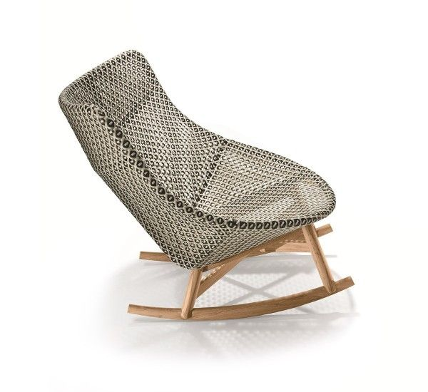 Designed by Sebastian Harkner for Dedon, Mbrace is an outdoor rocking chairwith wicker frame and seat/backrest cushion fabriccovered. Mbrace is a rocking chairto create a luxury garden, perfect for bringing to your garden a modern class touch. Although primarily was born to the outdoor, it can easily be brought inside to give to the room a bit of tropical air.Mbrace is also available as armchair with high or low back, depending on your preference with the possibility of matching…