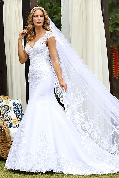 04e2cf3fc Pin de Lu Rodrigues Aluguel de Roupas em Coleção Vestidos de Noiva Santorini    Via Sposa   Vestido de noiva, Traje noivo e Vestidos