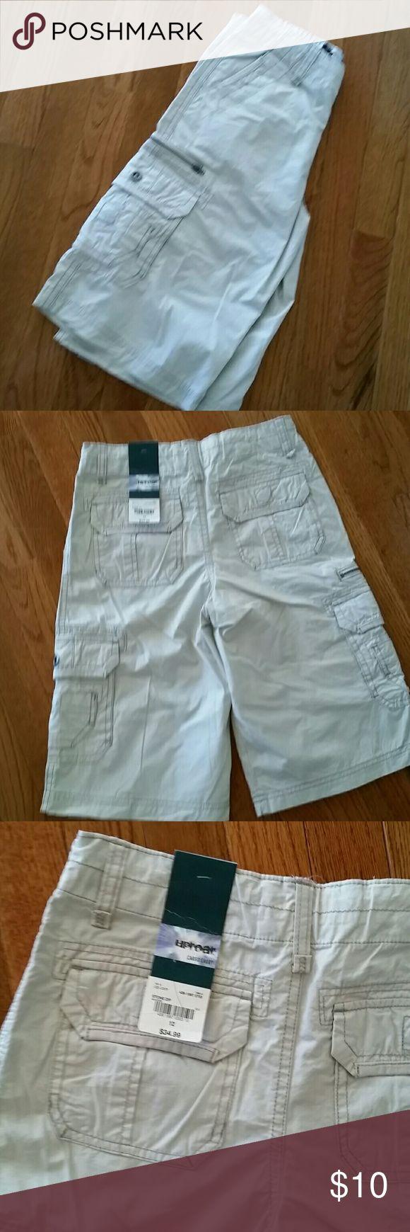 Boy's cargo shorts, size 12 Boy's cargo shorts, size 12, kacky color, from Uproar Uproar Bottoms Shorts