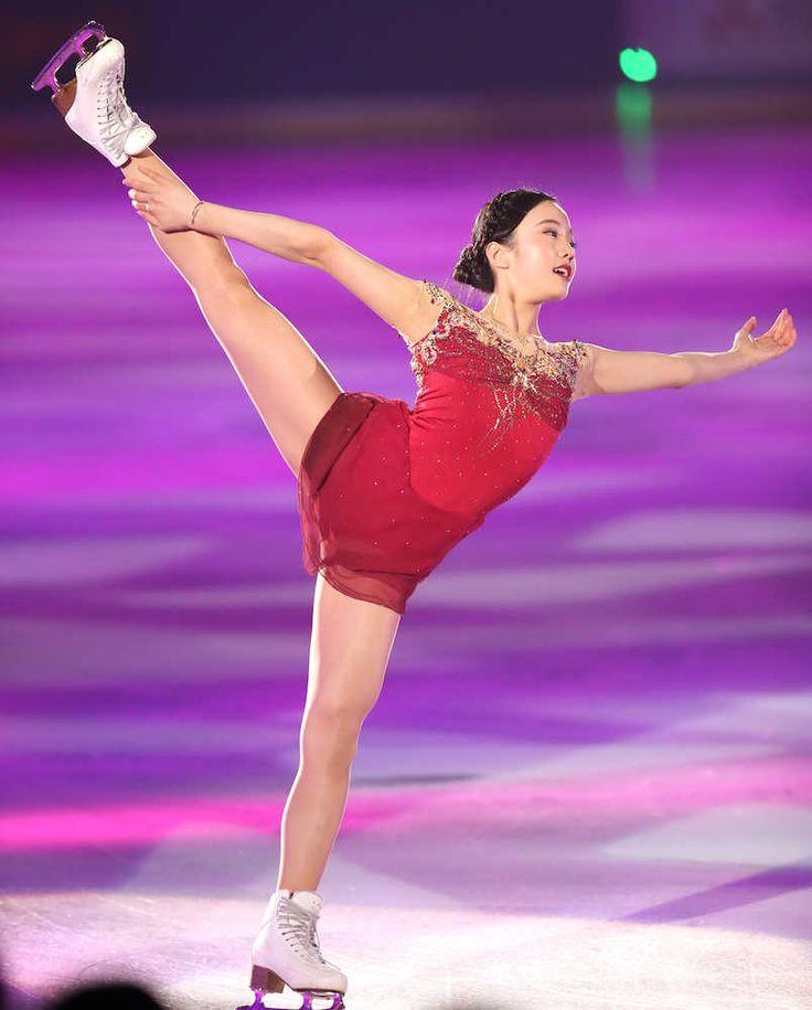 フィギュアスケート女子で平昌五輪を狙う本田真凜(15=関大高)、樋口新葉(16=日本橋女学館高)らが14日、東京都のダイドードリンコアイスアリーナでアイスショー「プリンスアイスワールド」に出演した。