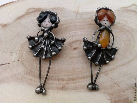 Stained glass brooch. Pretty Girl brooch. Stained glass