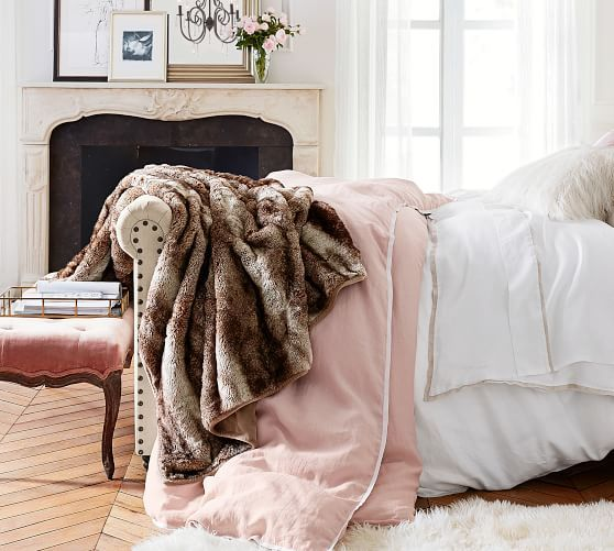 Best Easy Romantic Bedroom Ideas To Make A Space Feel Cozy 2020 640 x 480