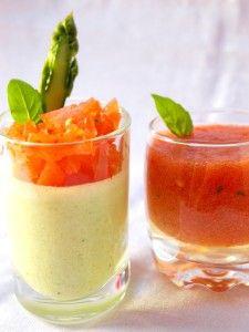 Pour 4 personnes Préparation : 20 minutes Cuisson : 5 minutes Repos : 3 heures Pour la panna cotta : · 100g d'asperges vertes ou blanches · 20 cl de crème fraîche liquide · 2 feuilles de gélatine · Sel et poivre Pour la gelée de tomates : · 15 cl de jus...