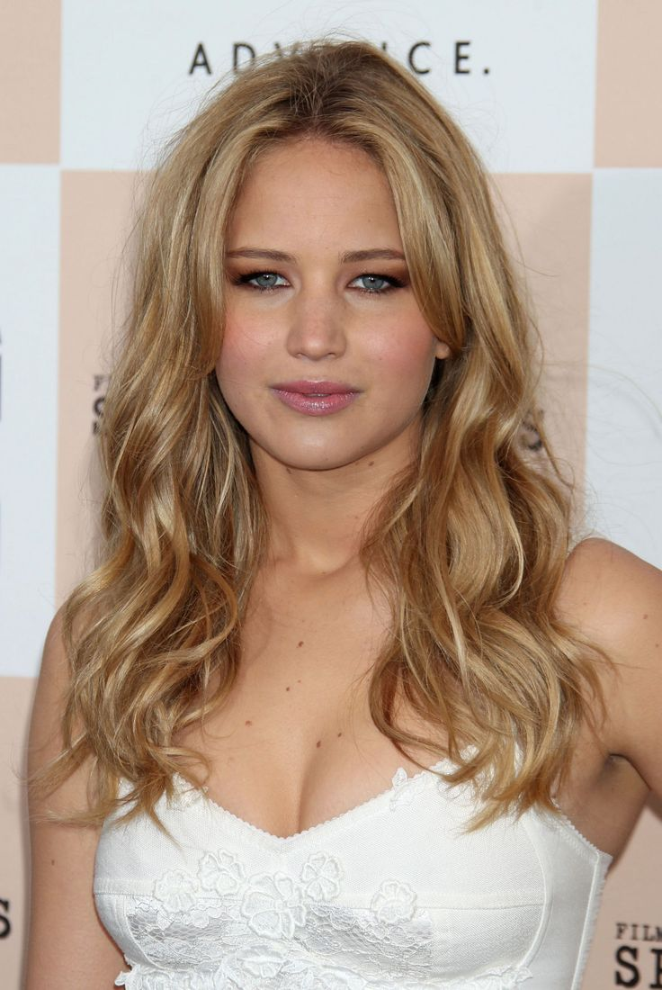 Jennifer Lawrence blonde. There are no words to describe how much I love this woman!