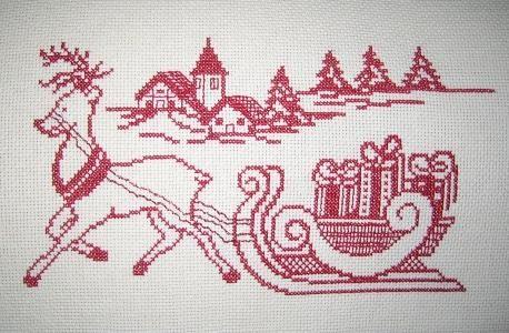 http://ricamoecucitocreativo.fotoblog.it/archive/2011/11/23/ricamo-natalizio.html