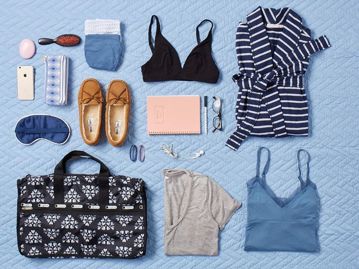 Use this essential checklist to prepare for labor and pack a bag for yourself, your partner, and your baby to bring to the hospital or birth center.
