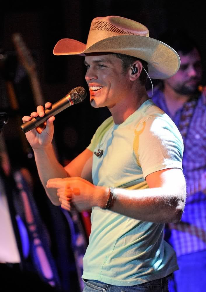 Dustin Lynch...this boy is ADORABLE! :)