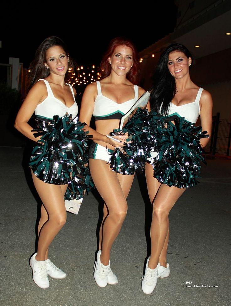 Eagles Cheerleaders Unveil 2013-14 Calendar in Atlantic City « Ultimate Cheerleaders