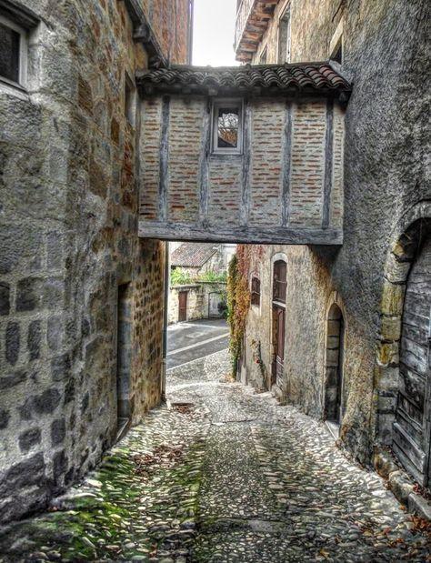 Medieval ruelle in Figeac, France   by © Anne Wipf   via joilieder