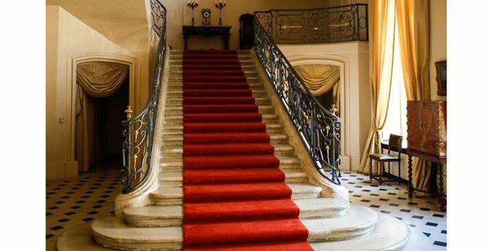 Escalier de l'ambassade des Pays-Bas à Paris