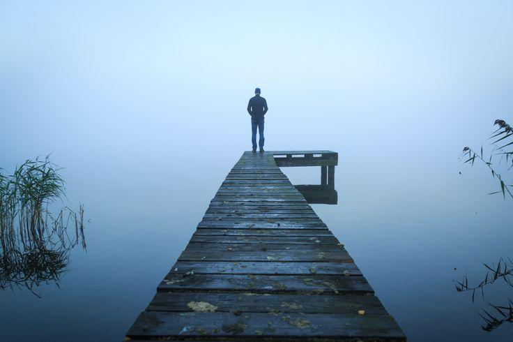 Eine Depression kann jeden treffen - dennoch werden psychische Erkrankungen häufig tabuisiert und verschwiegen. Wie sich eine Depression äußert, lesen Sie hier...