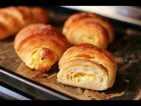 Croissanty domowe rogaliki chrupiące jak zrobić - YouTube