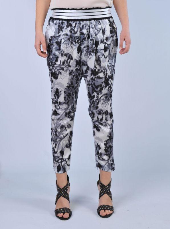 PINKO - Pantaloni stampa a fiori | Di Pierro  http://www.dipierrobrandstore.it/product/2386/Pantaloni-stampa-a-fiori.html