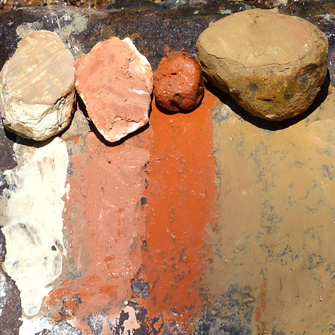 Colours from the Earth Ancient and contemporary cultures have always made very basic paints to decorate their bodies and dwellings. They extracted natural pigments from clay, rocks, charcoal, shell…