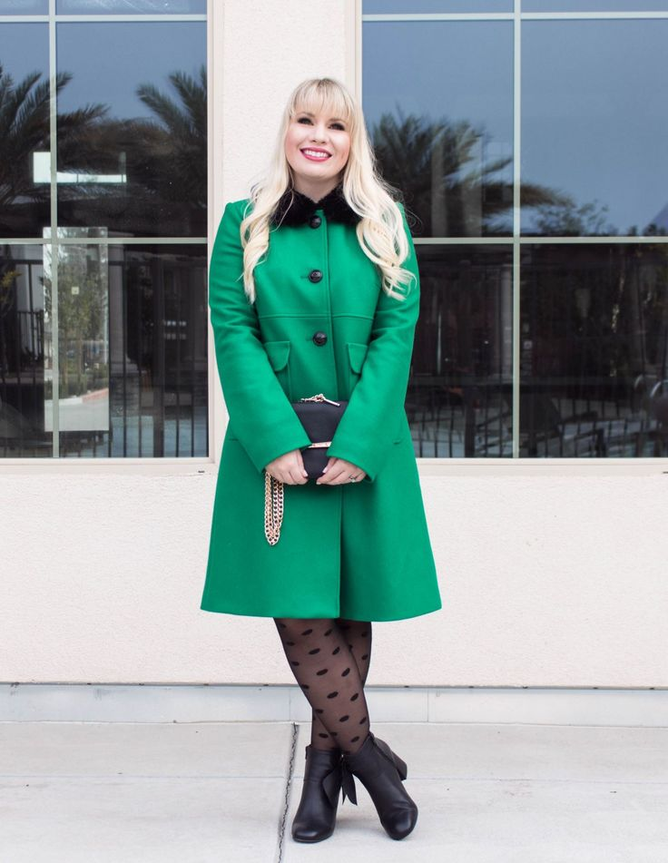 This chic green coat is the perfect pop of color during the winter! Check out 12 more colorful coats you need in your wardrobe!