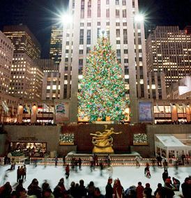 Christmas in NYC . . . not hurried . . . I want to do it all . . . ice skate, see the window displays, see the Rockettes, and watch the Macy's Thanksgiving Day parade (that is when Christmas starts, right?)!