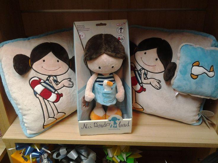 Minilotta #muñecadepeluche #muñecaNici #nici #pekuchi #minilotta #cojínDeMinilotta #tiendaDePeluches