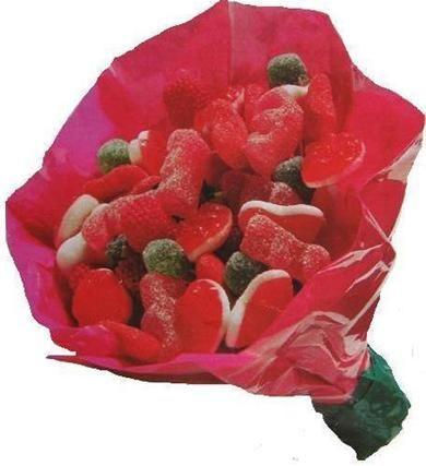 Snoepboeket meenemen als cadeau is weer wat anders meenemen dan het standaard bosje bloemen. Dit boeketje gemaakt van vrolijk gekleurde snoepjes is een