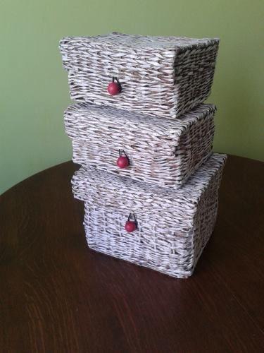 Trojaczki wykonane w tym samym stylu. https://www.facebook.com/recykling.artystyczny?ref=hl