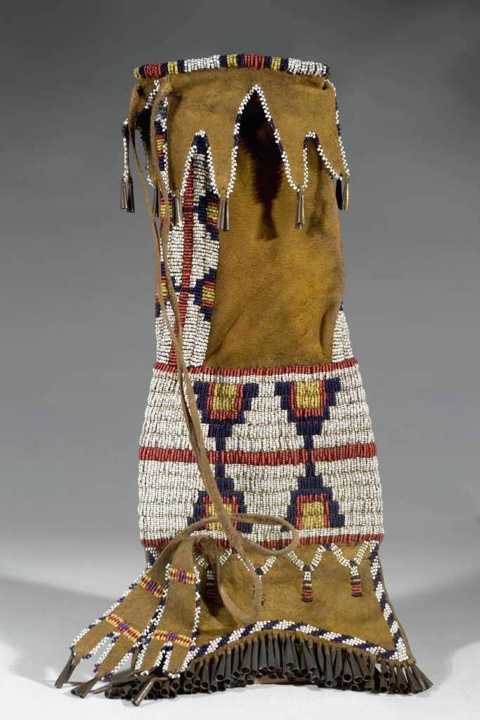 336 best beaded pipebags images on pinterest for Cheyenne tribe arts and crafts