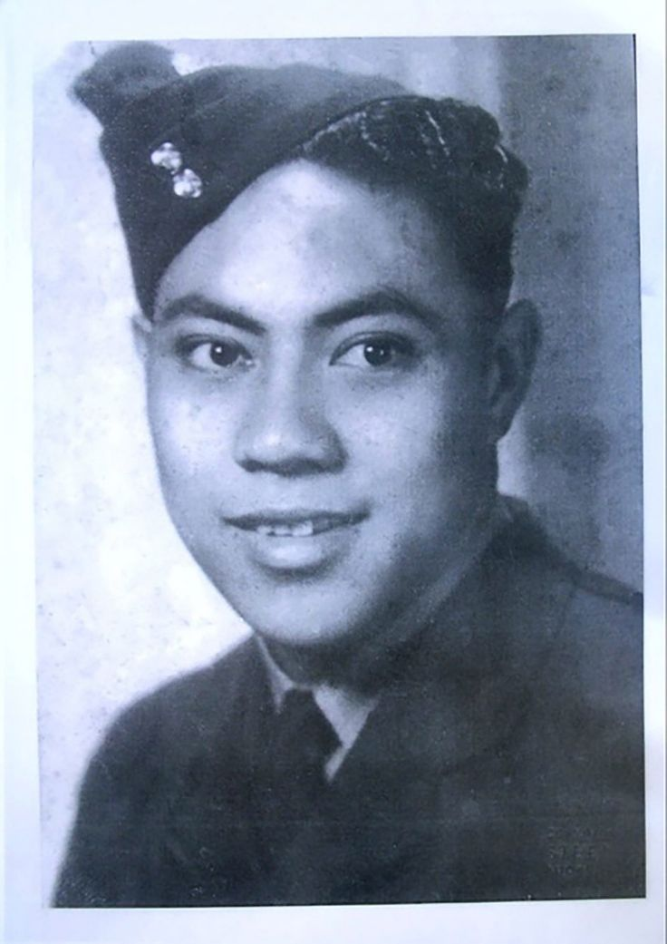 Baron Vaea - pilot in the RNZAF during World War Two. Father of current Queen of Tonga #TonganHeroes