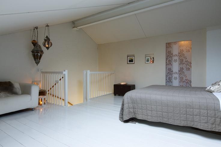 Slaapverdieping met bergruimte/inloopkast/washok