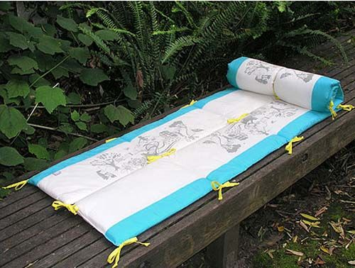 Crib bumper into a play mat. Might have to try this.