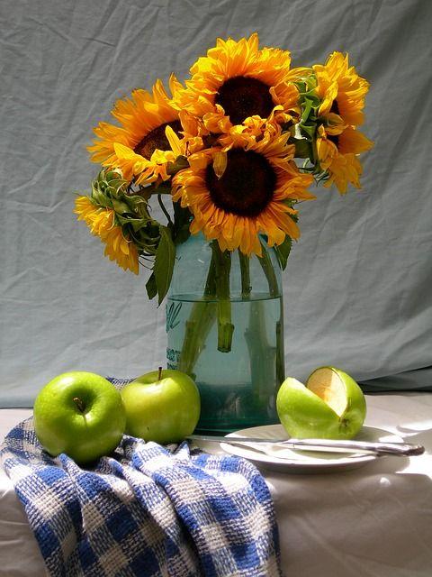 Free photo: Sunflowers, Apples, Life, Still - Free Image on Pixabay - 1599685