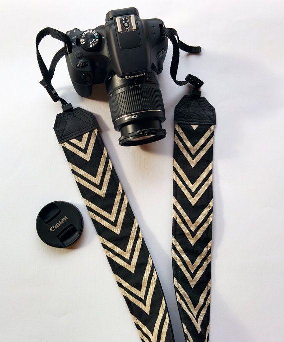 Tracolla per fotocamera SLR, DSLR, imbottita, in cotone fantasia chevron ecrù e nero. Tracolla vegan. Tracolla unisex